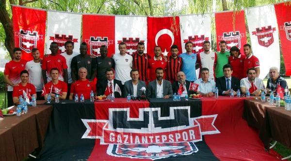 Gaziantepspor'a Transfer Edilen 15 Oyuncu Tanıtıldı