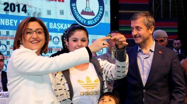 Gaziantep'te 1000 Aile Evlerinin Anahtarını Aldı