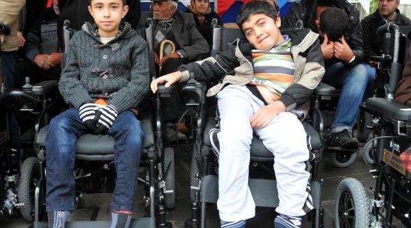 Gaziantep'te 111 Engelliye Tekerlekli Sandalye Dağitildi