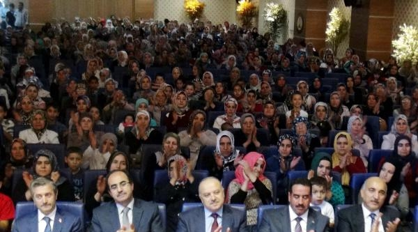 Gaziantep'te 1332 Kursiyere Kuran Hediyesi