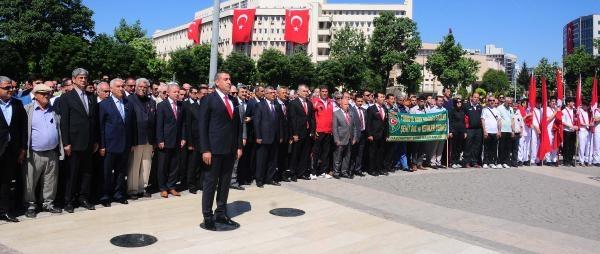 Gaziantep'te 19 Mayıs Töreni Buruk Geçti