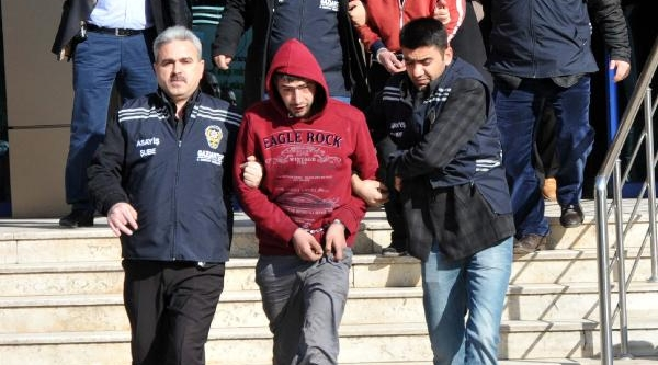 Gaziantep'te 6 Otomobilden Hirsizlik Iddiasina 2 Tutuklama