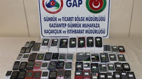 Gaziantep'te 79 Kaçak Cep Telefonu Ele Geçirildi