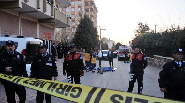 Gaziantep'te Ayrı Yaşadığı Eşini Öldüren Koca İntihar Etti (2)