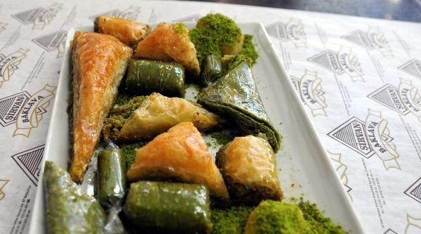 Gaziantep'te Bayram Öncesi Tatlı Hazırlık