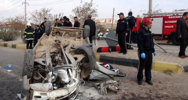 Gaziantep'te Cenaze Yolunda Kaza: 2 Ölü, 5 Yarali
