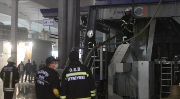 Gaziantep'te Hali Fabrikasinda Yangin Paniği
