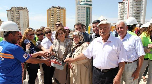 Gaziantep'te Hayırsever Aileden 500 Kişilik Öğrenci Yurdu