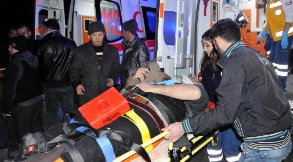 Gaziantep'te Işçi Servisi Devrildi: 25 Yarali