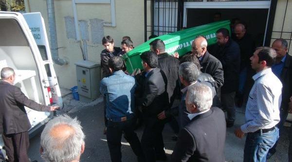 Gaziantep'te Işhanindaki Yanginda Ölenlerin Sayisi 4'e Yükseldi