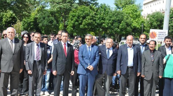 Gaziantep'te İşitme Engelliler İstiklal Marşı Okudu