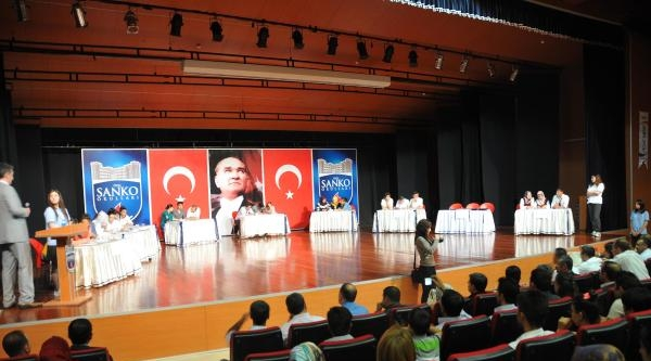 Gaziantep'te Liseler Arası Bilgi Yarışması Yapıldı