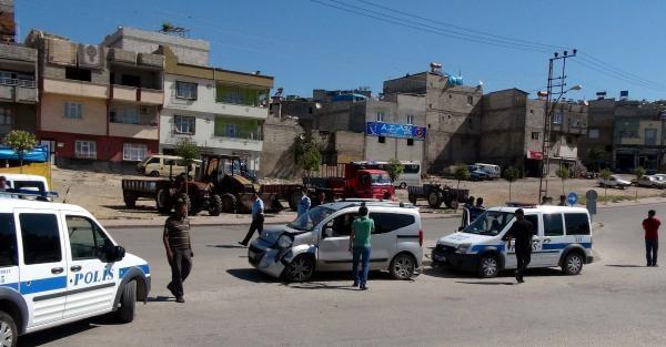 Gaziantep'te Minibüs Hafif Ticari Araçla Çarpişti: 6 Yaralı