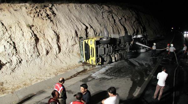 Gaziantep'te Motorin Yüklü Tanker Devrildi: 1 Ölü