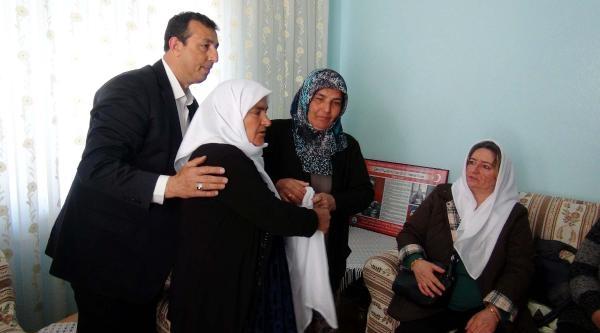 Gaziantep'te Ölen Pkk'lının Annesinden Şehit Annesine Beyaz Tülbent