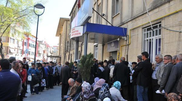 Gaziantep'te Otobüs Kartı Kuyruğu