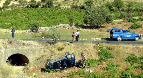 Gaziantep'te Otomobil Devrildi: 8 Yaralı