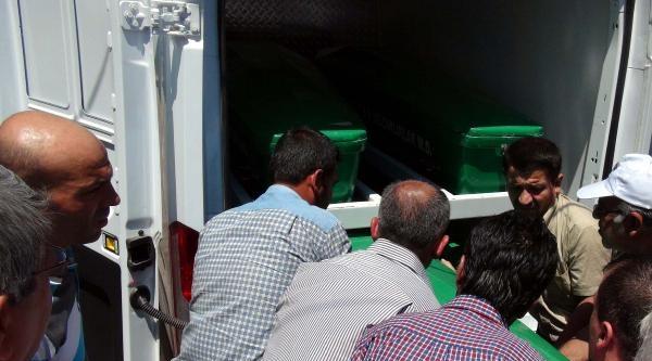 Gaziantep'te Otomobil İle Kamyon Çarpişti: 4 Ölü, 3 Yaralı