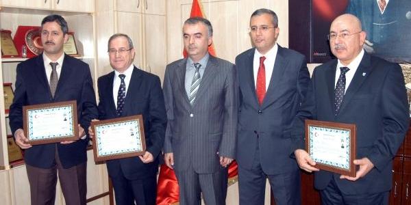 Gaziantep'te Özel Okul Müdürlerine Başari Belgesi Verildi