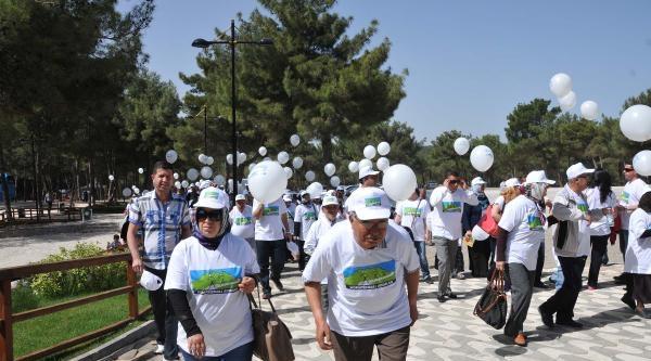 Gaziantep'te Romatizmalı Hastalar Ormanda Yürüyüş Yaptı
