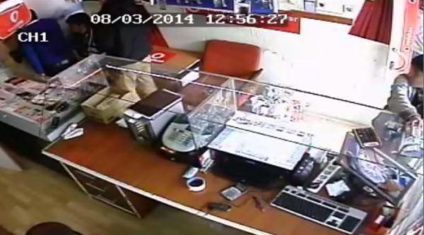 Gaziantep'te Sadaka Kutusu Hırsızlığı Kamerada