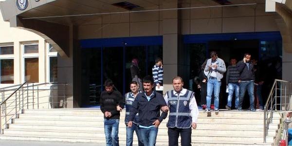 Gaziantep'te 'savciyim' Yalani Ile Dolandiran 2 Kişi Gözaltina Alindi