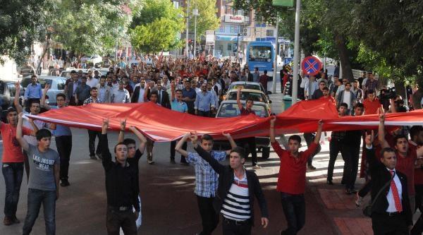 Gaziantep'te Ülkücülerden Bayrak Protestosu