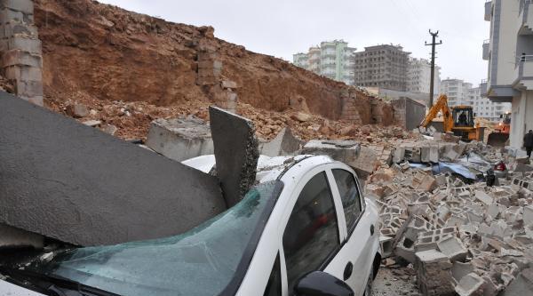Gaziantep'te Yağmur Etkili Oldu, Otomobiller Sulara Gömüldü