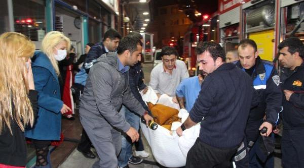 Gaziosmanpaşa'da Hastanede Yangin Çikti