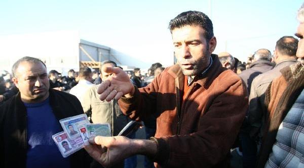 Gebze'de 1000 Kamyoncu Motorin Zamlarini Protesto Için Kontak Kapatti
