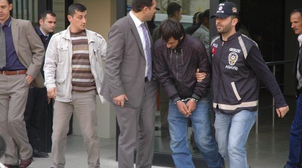 Gebze'de Biçakli Gaspçilar Yakalandi