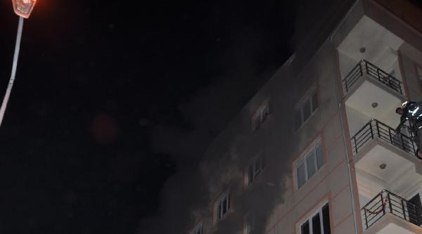 Gece Yarısı Apartmanda Yangın Paniği