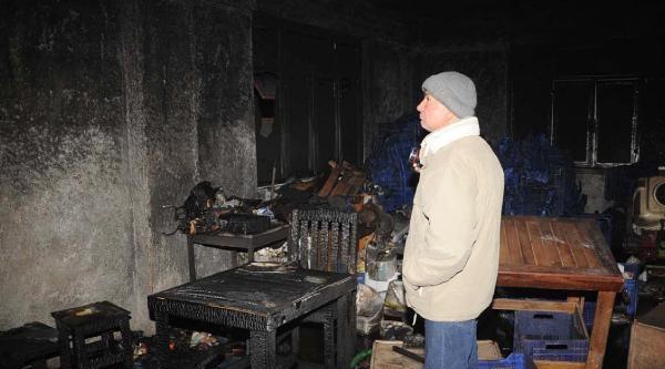 Gecekondudaki Yangında Anne Ve Baba Öldü, Geride Çocuklari Kaldı