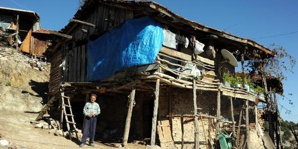 Gençler Göç Etti, 530 Yillik Köy Haritadan Silinecek