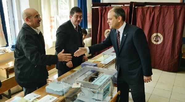 Gençlik Ve Spor Bakanı Kılıç Oy Kullandı