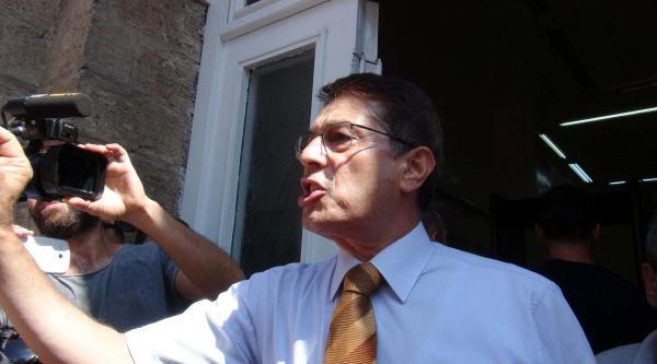 Genel Sekreter Ve Emniyet Müdür Yardımcısı Eylemcilerin Önünde Tartıştı