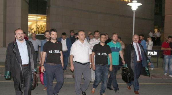 (geniş Haber) Mahkemeye Sev Edilen 8 Polisten 3'ü Tutuklanırken 5 Polis Serbest Bırakıldı