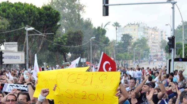 Gezi Çadirlari Yeniden Kuruldu (2)