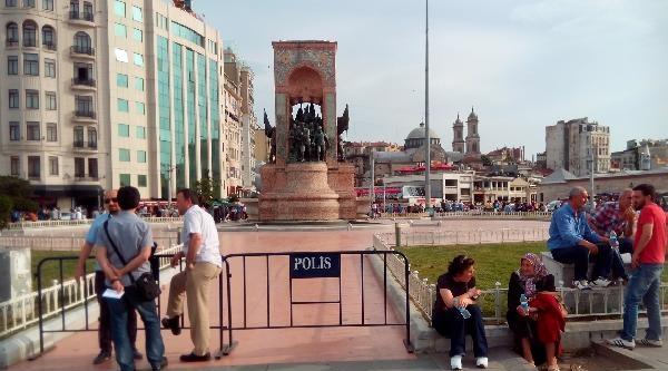 Gezi Parkı Kapatıldı; Cumhuriyet Anıtı'nın Çevresi Demir Bariyerlerle Çevrildi