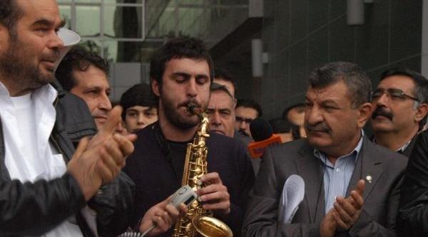 Gezi Parki Saniklarina Müzikli Destek