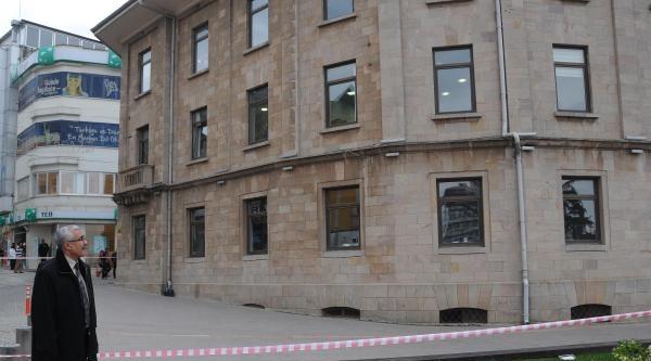 Giresun Belediyesi Önüne Bırakılan Çanta Paniğe Yol Açtı