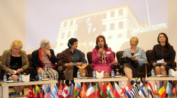 Giresun'da 2'nci Uluslararası Kadın Sempozyumu Ve Sanat Çaliştayi