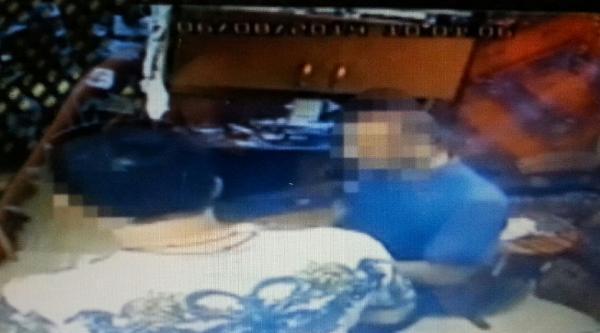 Giydiği İlginç Tişört Hırsızı Yakalattı