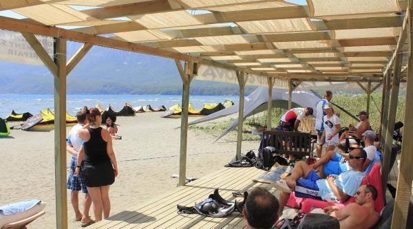 Gökova'da Rüzgar Sörfü Turizmine Kaçak Darbesi