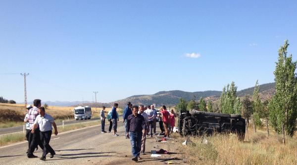 Göksun'da Gurbetçi Aile Kaza Yaptı: 5 Yaralı
