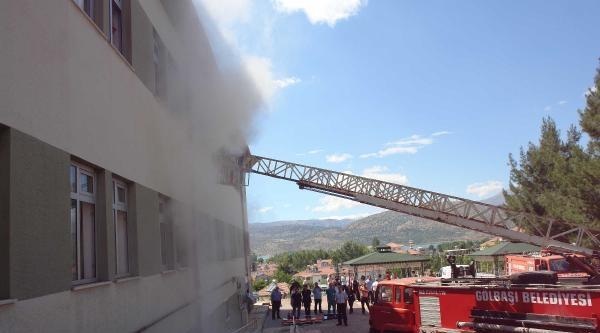Gölbaşı Devlet Hastanesi'nde Yangın Ve Tahliye Tatbikatı