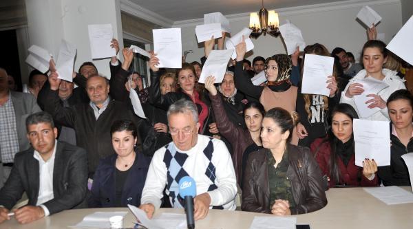 Gölbaşı'nda 100 Kişi Ak Parti'den İstifa Etti