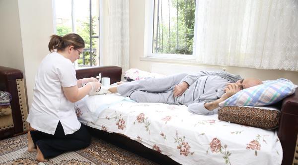 Gölbaşı'nda Belediyeden Yaşlılara Evde Sağlık Hizmeti