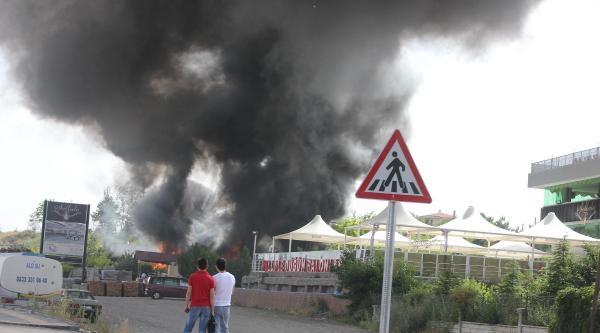 Gölbaşı'ndaki Sera Yangını Korkuttu