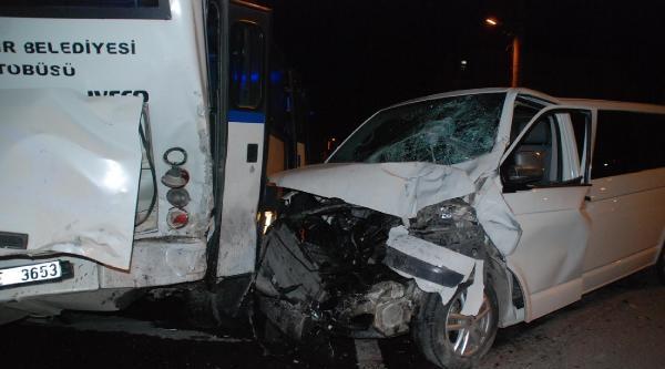 Gölcük'te Aşırı Hız Kazası: 2 Yaralı